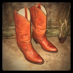 FRYE COWGIRL BOOTS SIZE 7.5